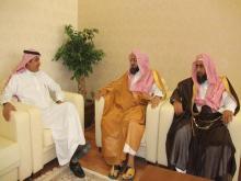 الشيخ سعد بن غنيم يمول باكورة الكراسي العلمية في الجامعة